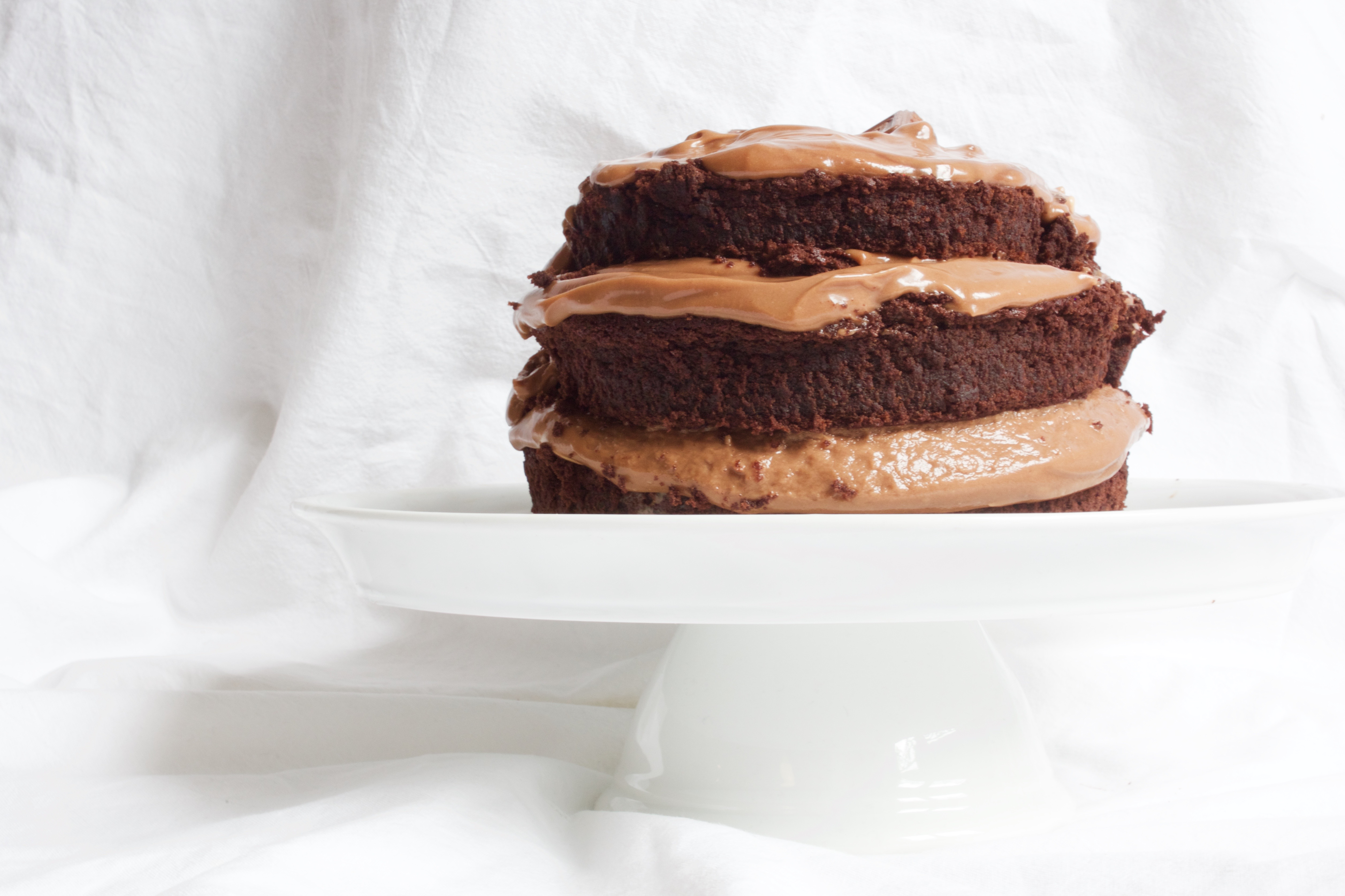 naked_chocolate_cake_2
